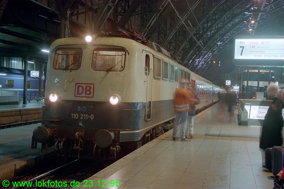http://www.lokfotos.de/fotos/1995/1223/23683.jpg