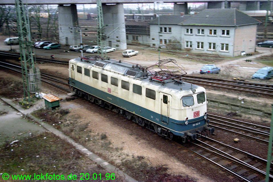 http://www.lokfotos.de/fotos/1996/0120/23919.jpg