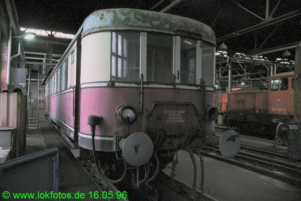 http://www.lokfotos.de/fotos/1996/0516/26590.jpg