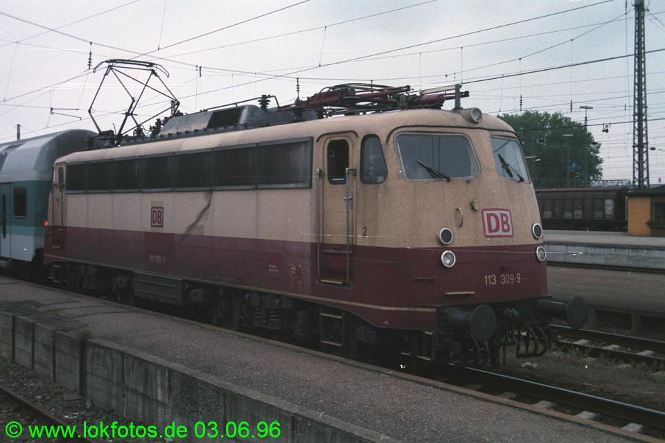 http://www.lokfotos.de/fotos/1996/0603/28244.jpg