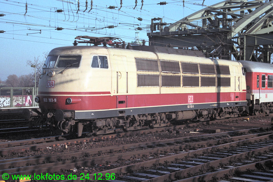 http://www.lokfotos.de/fotos/1996/1224/30456.jpg