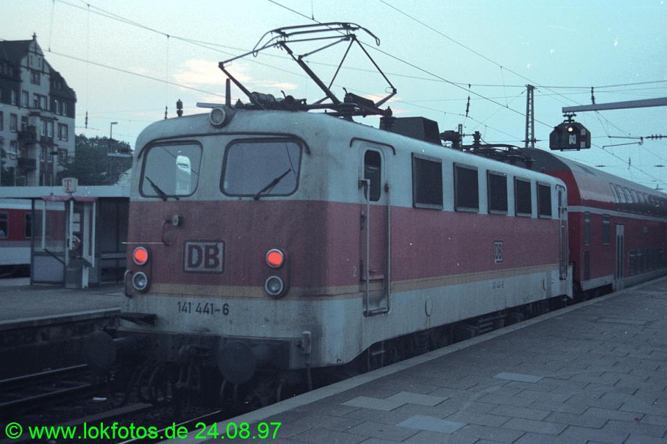 http://www.lokfotos.de/fotos/1997/0824/34209.jpg