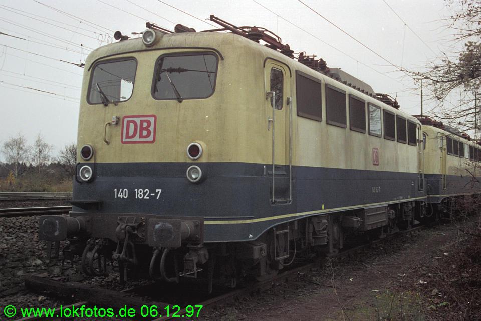 http://www.lokfotos.de/fotos/1997/1206/35681.jpg