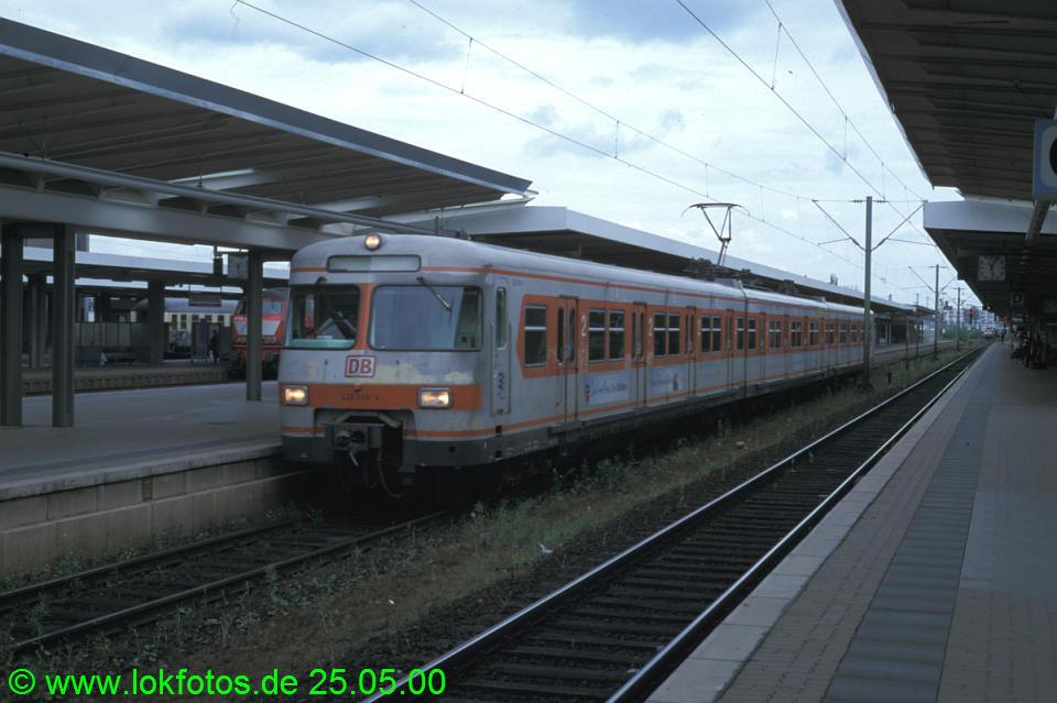 http://www.lokfotos.de/fotos/2000/0525/50437.jpg