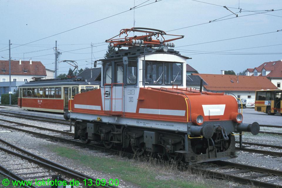 http://www.lokfotos.de/fotos/2000/0913/51904.jpg