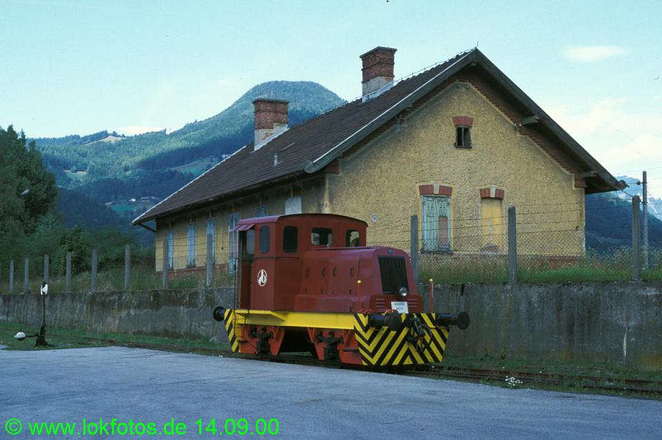 http://www.lokfotos.de/fotos/2000/0914/52005.jpg
