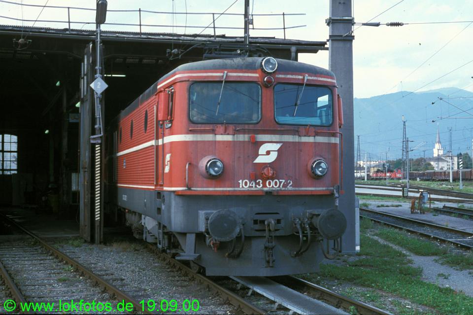 http://www.lokfotos.de/fotos/2000/0919/52399.jpg